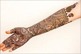 Beautiful mehendi Looks Batik
